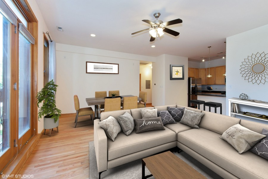 Real Estate Photography - 2136 W Monroe, Unit 203, Chicago, IL, 60612 -