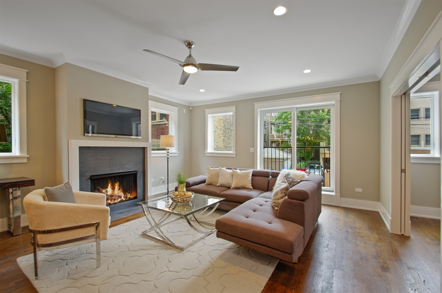 Real Estate Photography - 707 W Buckingham, Unit 1W, Chicago, IL, 60657 - Family Room