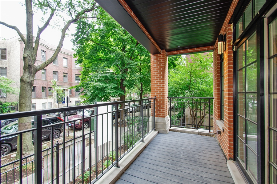 Real Estate Photography - 707 W Buckingham, Unit 1W, Chicago, IL, 60657 - Balcony