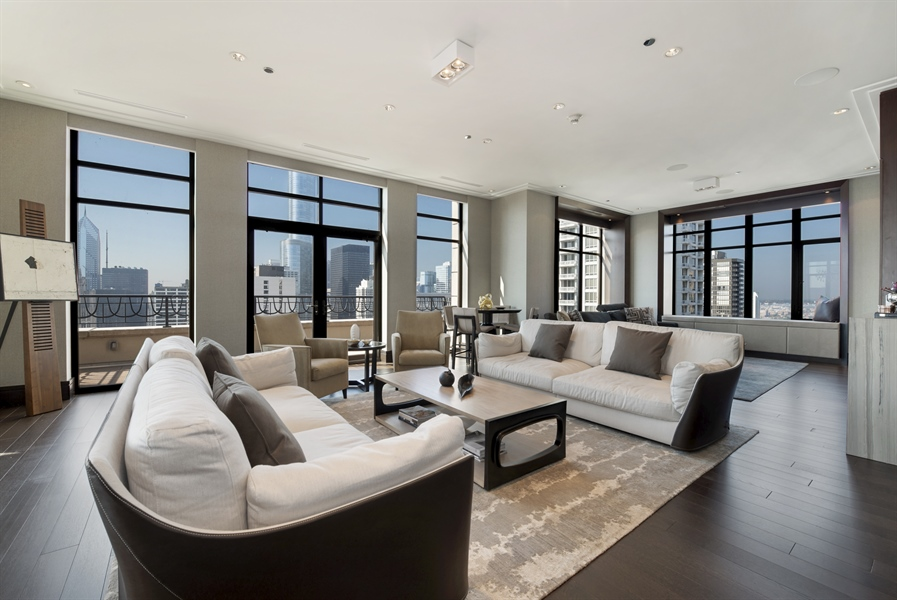 Real Estate Photography - 118 E Erie, unit 38 L, Chicago, IL, 60611 - Living Room