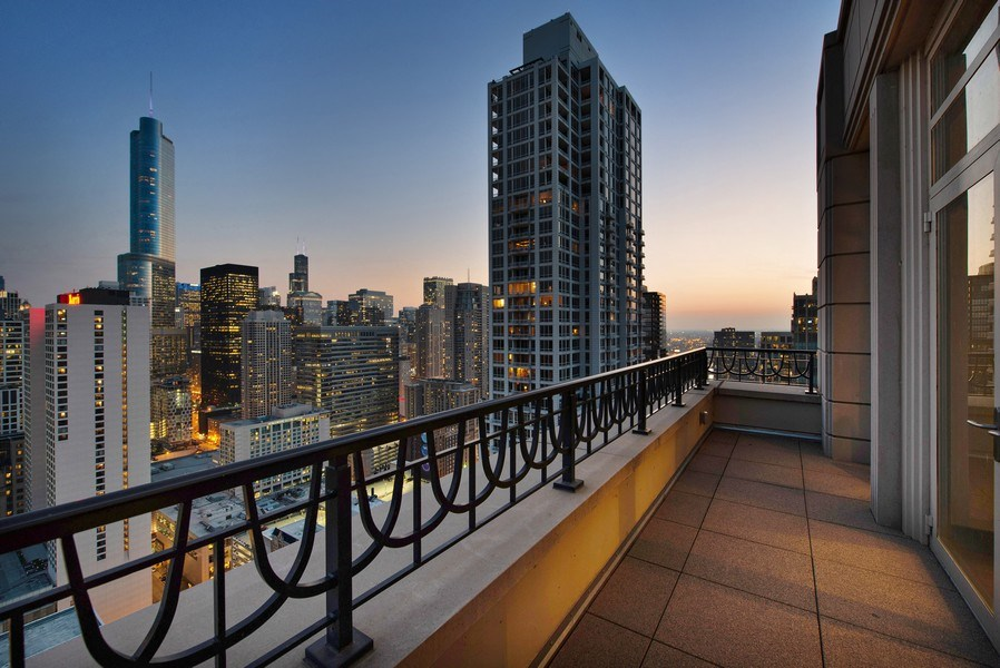 Real Estate Photography - 118 E Erie, unit 38 L, Chicago, IL, 60611 - Location 1