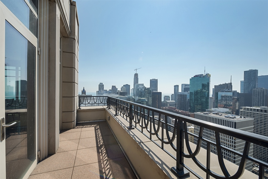 Real Estate Photography - 118 E Erie, unit 38 L, Chicago, IL, 60611 - Terrace