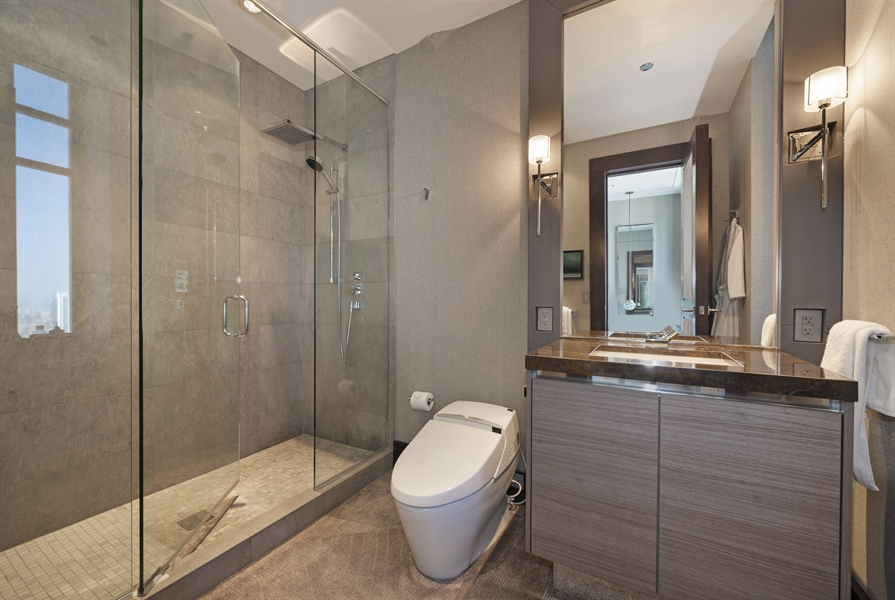 Real Estate Photography - 118 E Erie, unit 38 L, Chicago, IL, 60611 - 2nd Bathroom