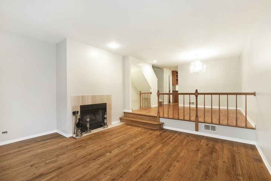 Real Estate Photography - 1251 W Fletcher L, Chicago, IL, 60657 - Living Room
