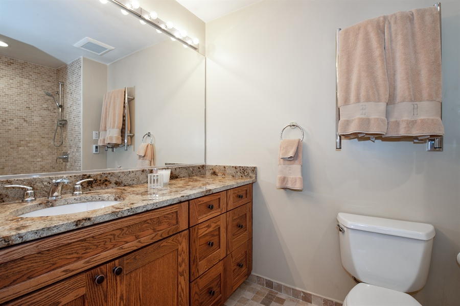 Real Estate Photography - 1251 W Fletcher L, Chicago, IL, 60657 - Master Bathroom
