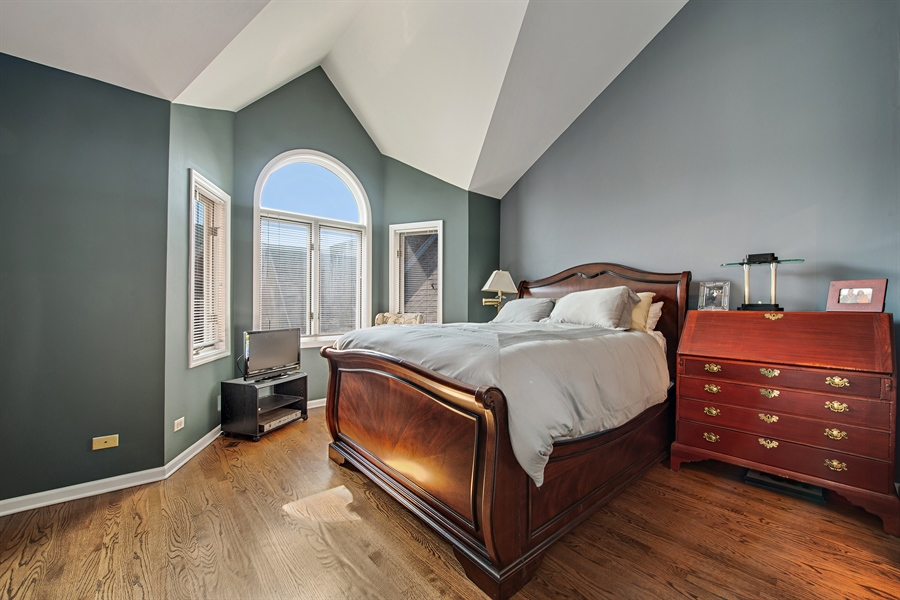 Real Estate Photography - 1251 W Fletcher L, Chicago, IL, 60657 - 2nd Bedroom
