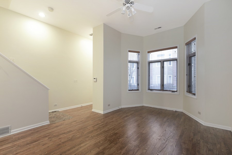 Real Estate Photography - 1251 W Fletcher L, Chicago, IL, 60657 - Lower Level