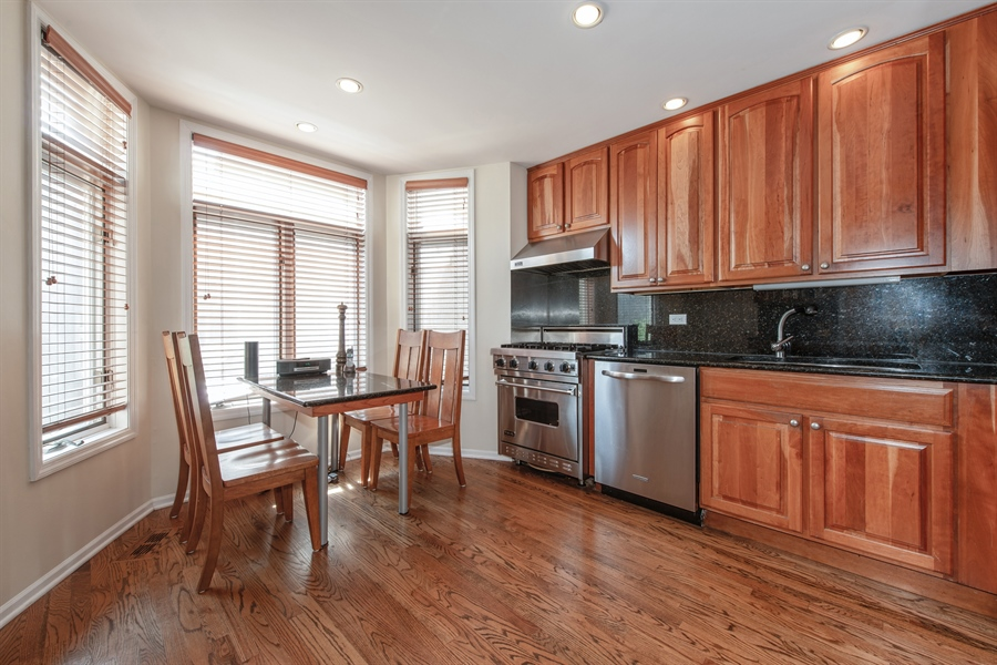 Real Estate Photography - 1251 W Fletcher L, Chicago, IL, 60657 - Kitchen / Breakfast Room