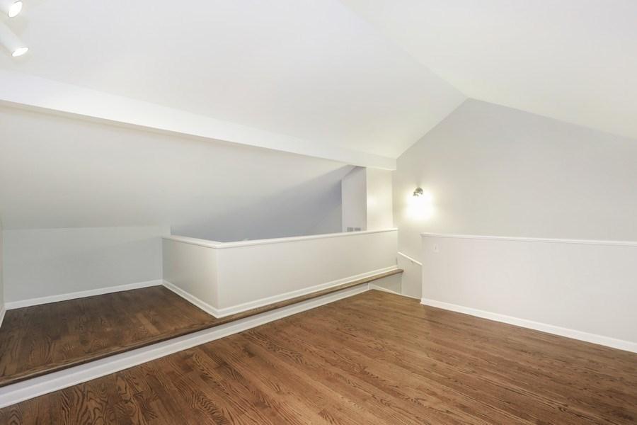 Real Estate Photography - 1251 W Fletcher L, Chicago, IL, 60657 - Loft