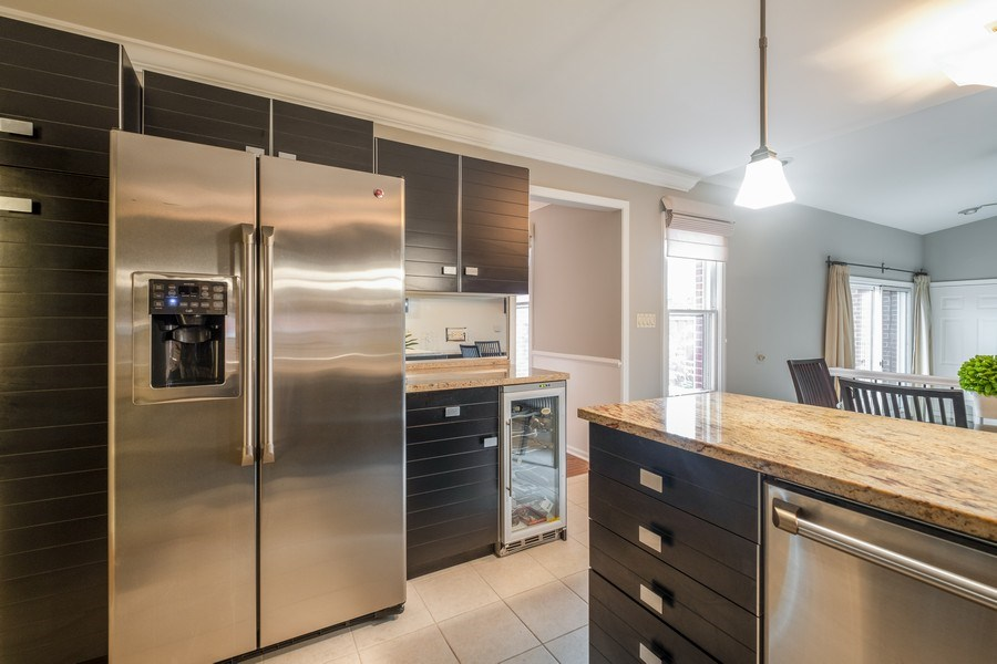 Real Estate Photography - 9025 Lincolnwood, Evanston, IL, 60203 - Kitchen