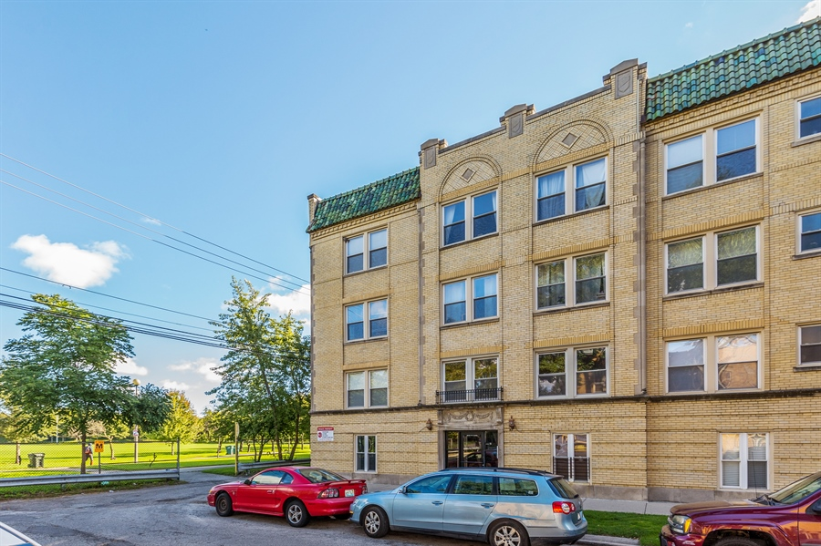 Real Estate Photography - 6511 N Oakley Ave, chicago, IL, 60645 - Front View