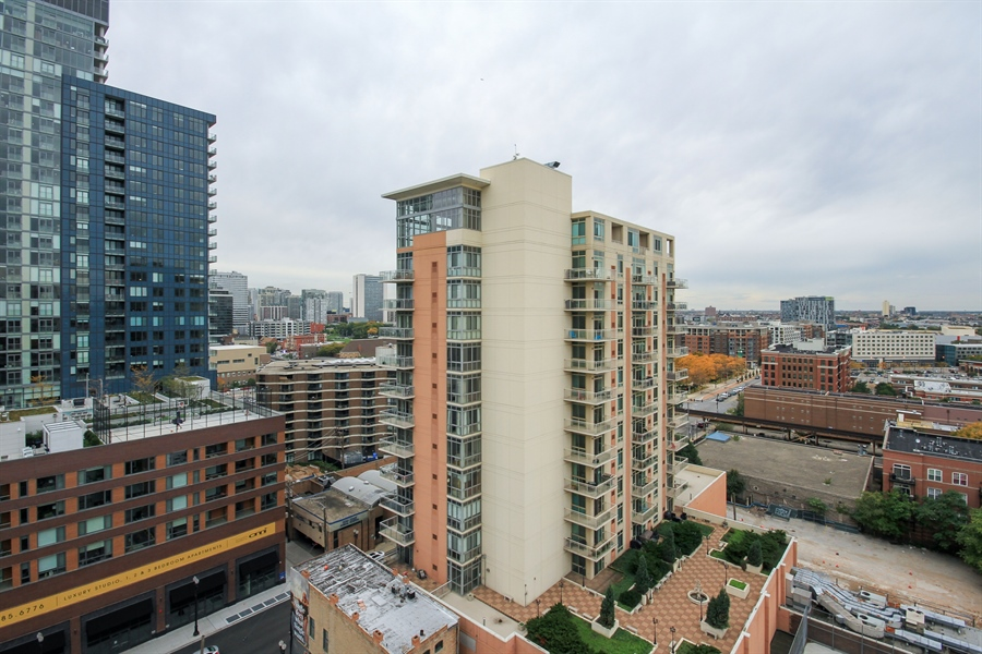 Real Estate Photography - 1212 N Wells, Unit 1405, Chicago, IL, 60610 - View