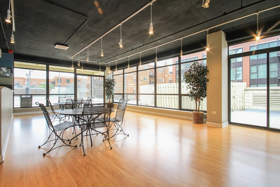 Real Estate Photography - 1212 N Wells, Unit 1405, Chicago, IL, 60610 - Lower Level