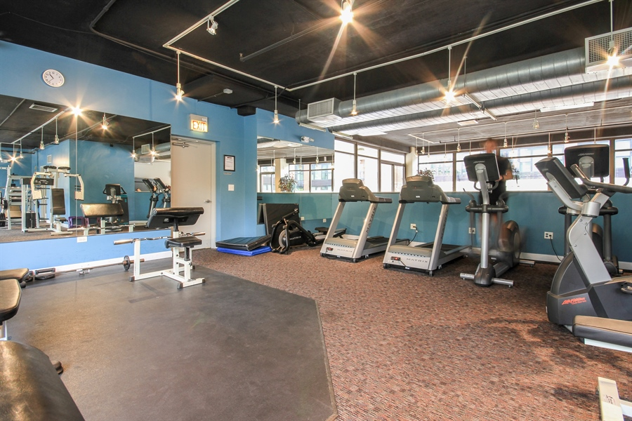 Real Estate Photography - 1212 N Wells, Unit 1405, Chicago, IL, 60610 - Exercise Room