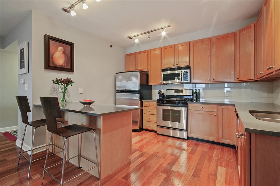 Real Estate Photography - 1212 N Wells, Unit 1405, Chicago, IL, 60610 - Kitchen