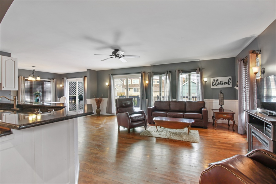 Real Estate Photography - 426 Gierz, Downers Grove, IL, 60515 - Family Room