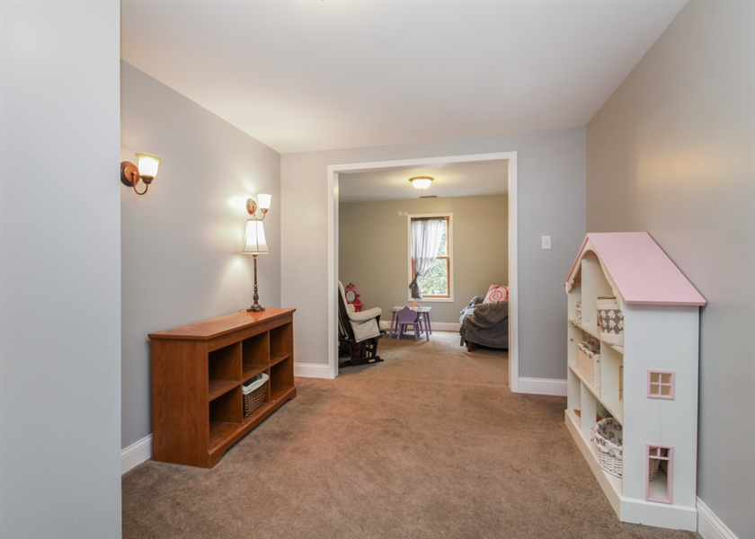 Real Estate Photography - 426 Gierz, Downers Grove, IL, 60515 - Loft