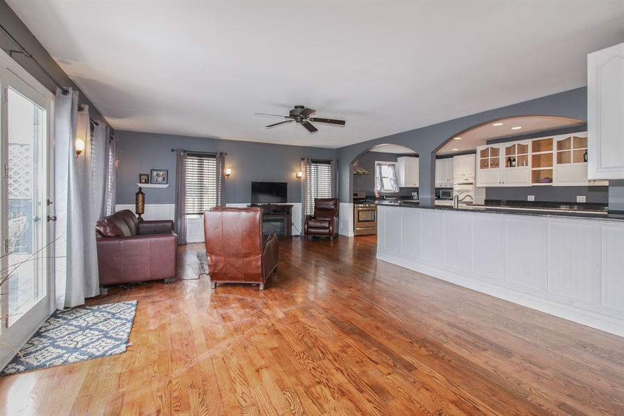 Real Estate Photography - 426 Gierz, Downers Grove, IL, 60515 - Kitchen / Living Room