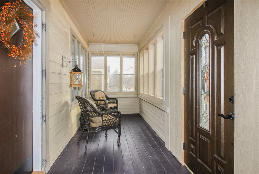 Real Estate Photography - 426 Gierz, Downers Grove, IL, 60515 - Sun Room