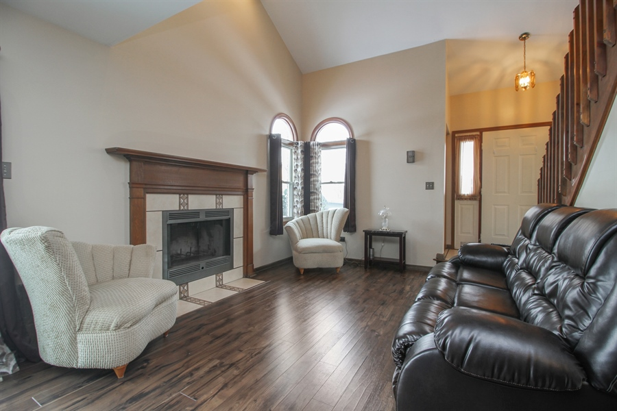 Real Estate Photography - 9323 Wherry, Orland Park, IL, 60467 - Living Room