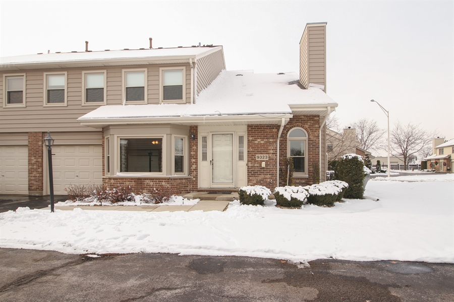 Real Estate Photography - 9323 Wherry, Orland Park, IL, 60467 - Front View
