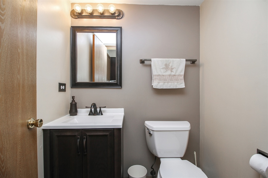 Real Estate Photography - 9323 Wherry, Orland Park, IL, 60467 - Bathroom
