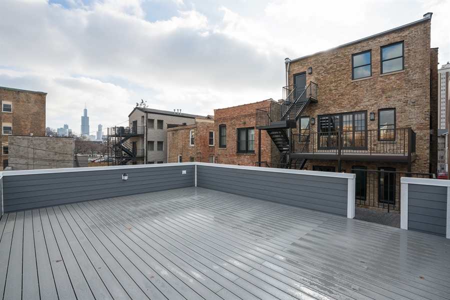 Real Estate Photography - 1630 Warren, Unit 2, Chicago, IL, 60612 - Roof Deck