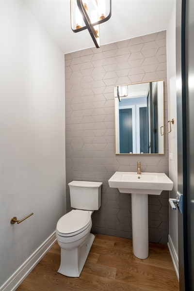 Real Estate Photography - 1630 Warren, Unit 2, Chicago, IL, 60612 - Bathroom