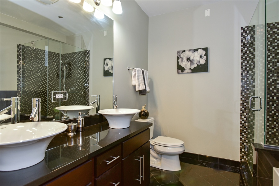 Real Estate Photography - 4950 N Western, Unit 2D, Chicago, IL, 60625 - Master Bathroom