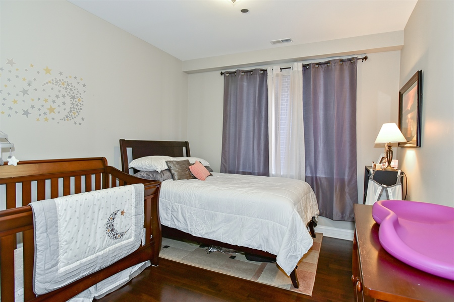 Real Estate Photography - 4950 N Western, Unit 2D, Chicago, IL, 60625 - 2nd Bedroom
