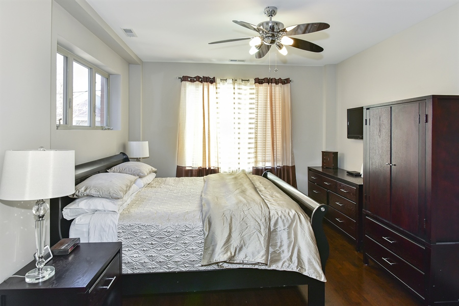 Real Estate Photography - 4950 N Western, Unit 2D, Chicago, IL, 60625 - Master Bedroom