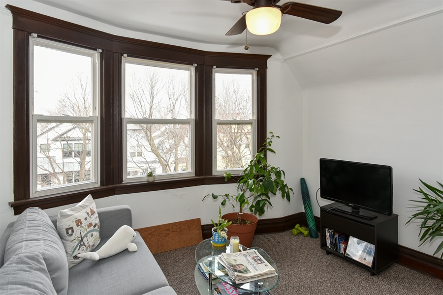 Real Estate Photography - 1943 W Belle Plaine, Chicago, IL, 60613 - Living Room
