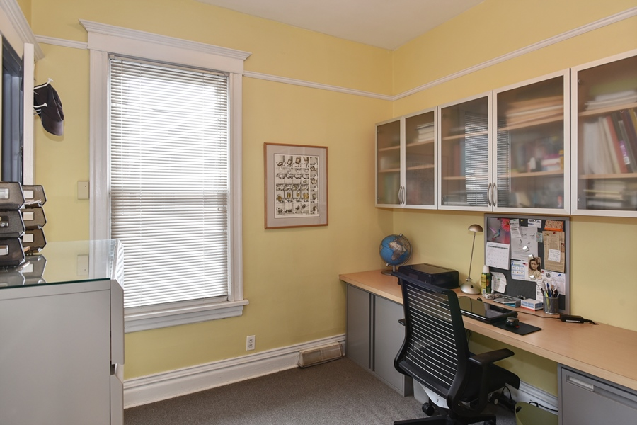 Real Estate Photography - 1943 W Belle Plaine, Chicago, IL, 60613 - 4th Bedroom