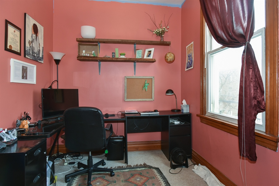 Real Estate Photography - 1943 W Belle Plaine, Chicago, IL, 60613 - 2nd floor 3rd bedroom