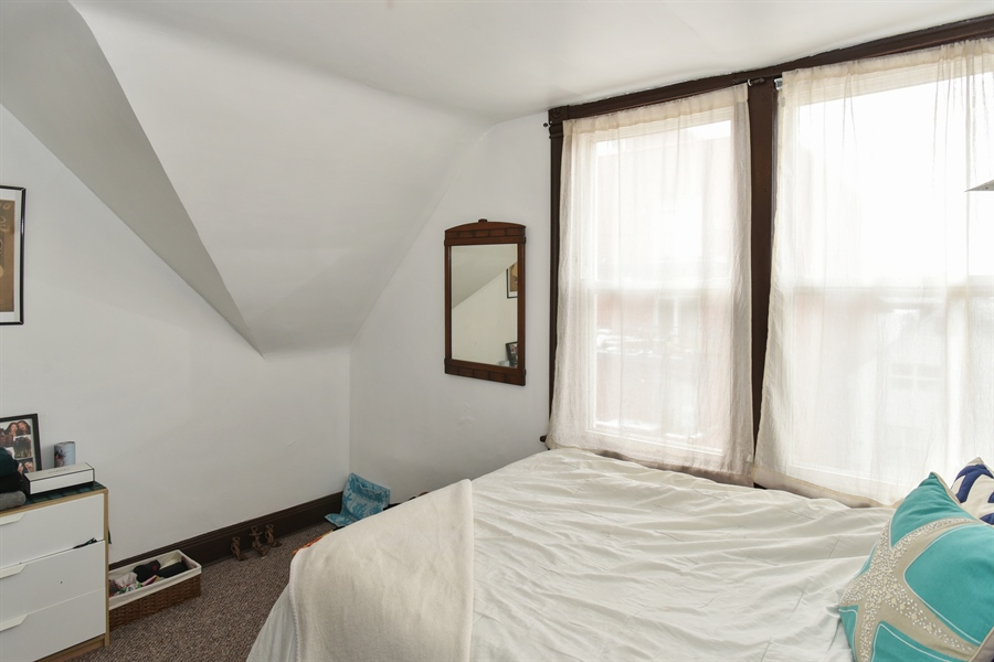 Real Estate Photography - 1943 W Belle Plaine, Chicago, IL, 60613 - Bedroom