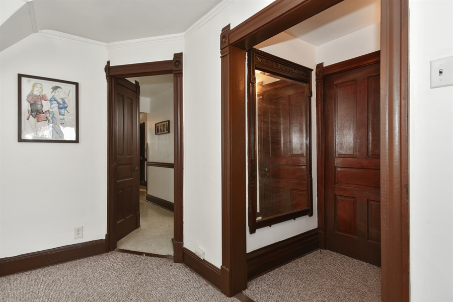 Real Estate Photography - 1943 W Belle Plaine, Chicago, IL, 60613 - 3rd floor foyer