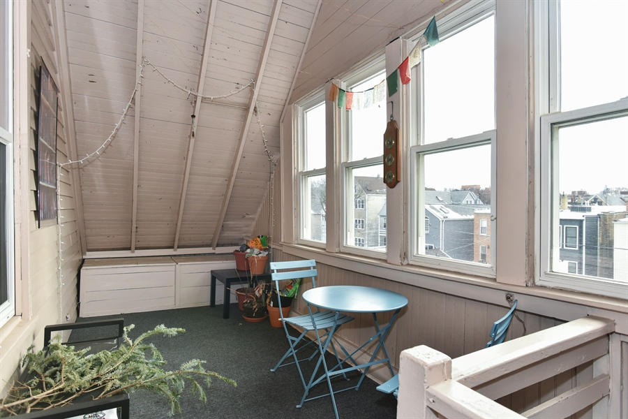 Real Estate Photography - 1943 W Belle Plaine, Chicago, IL, 60613 - 3rd floor back porch