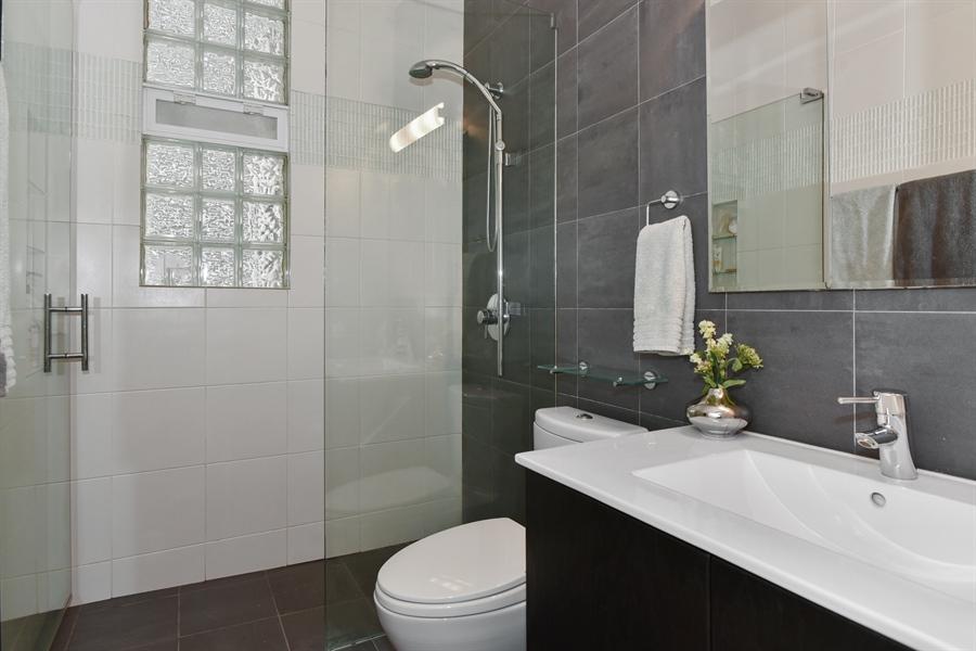 Real Estate Photography - 1943 W Belle Plaine, Chicago, IL, 60613 - Bathroom