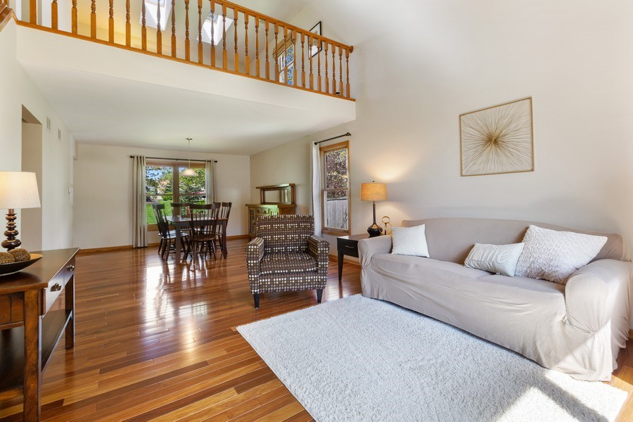 Real Estate Photography - 922 Krista Ct, Palatine, IL, 60074 - Living Room