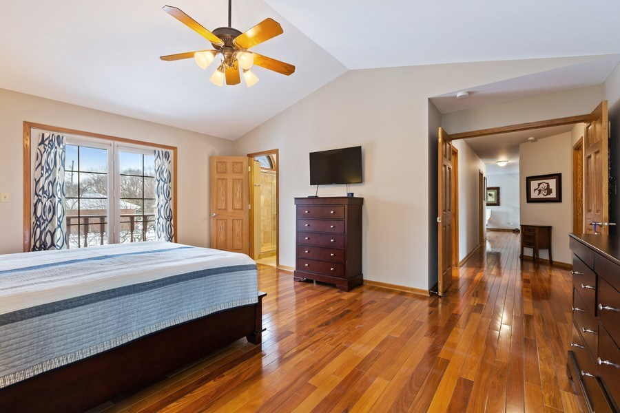 Real Estate Photography - 922 Krista Ct, Palatine, IL, 60074 - Master Bedroom