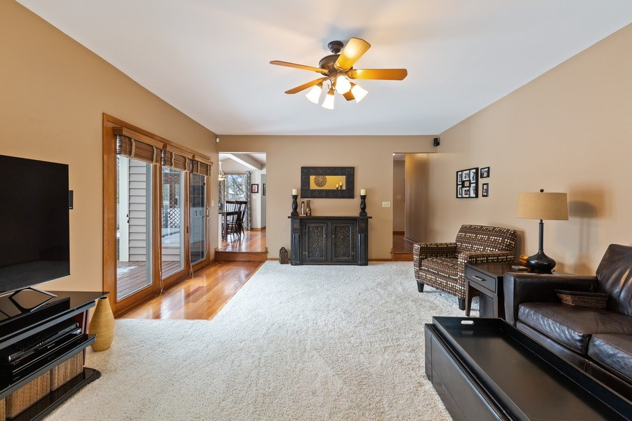 Real Estate Photography - 922 Krista Ct, Palatine, IL, 60074 - Family Room