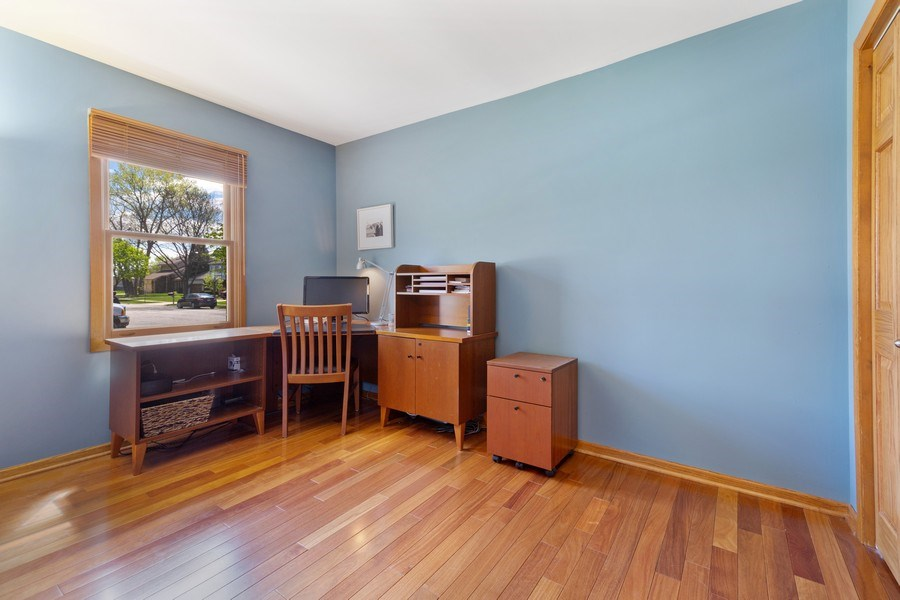 Real Estate Photography - 922 Krista Ct, Palatine, IL, 60074 - Office