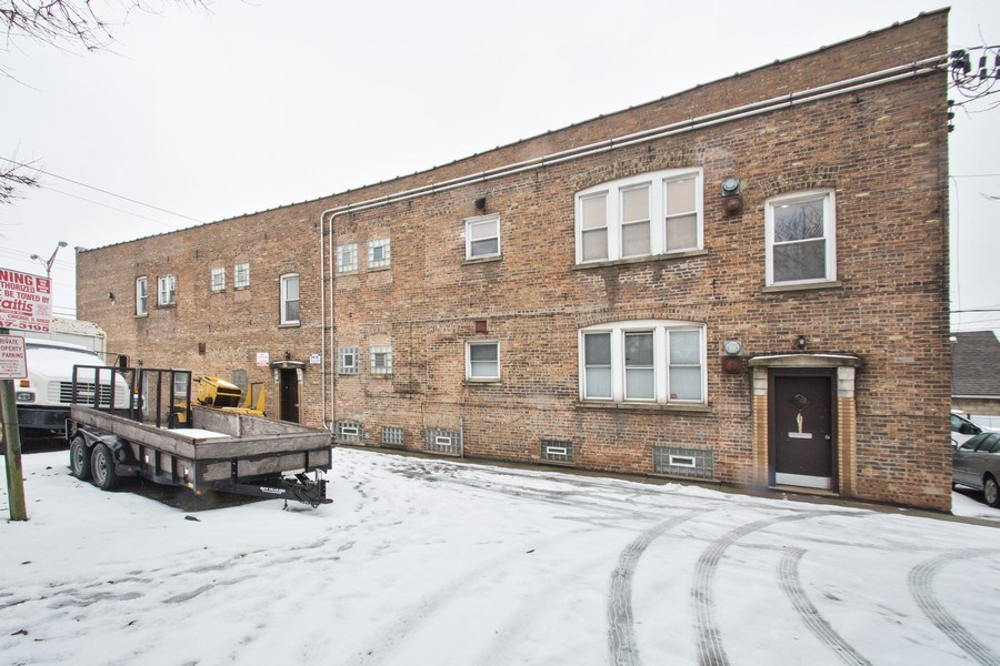 Real Estate Photography - 5702-04 W 65thS, Chicago, IL, 60638 - Side View