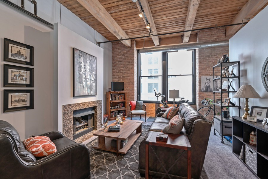 Real Estate Photography - 728 W Jackson, Unit 221, Chicago, IL, 60661 - Living Room