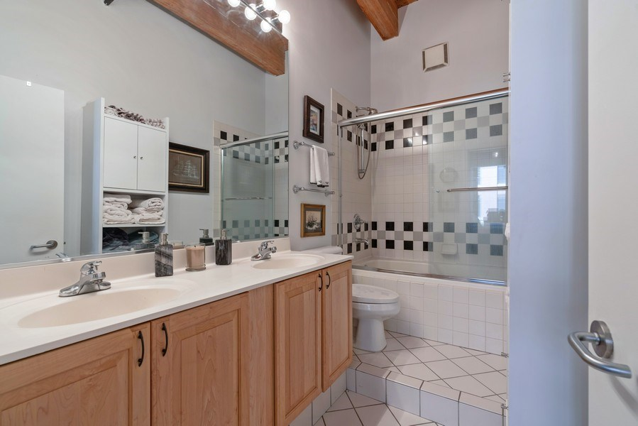 Real Estate Photography - 728 W Jackson, Unit 221, Chicago, IL, 60661 - Master Bathroom