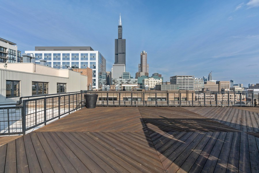Real Estate Photography - 728 W Jackson, Unit 221, Chicago, IL, 60661 - Roof Deck