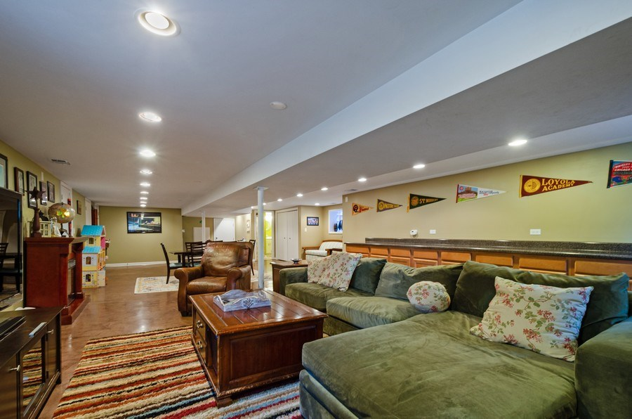 Real Estate Photography - 6942 N Oriole, Chicago, IL, 60631 -