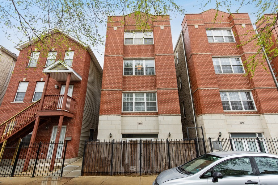Real Estate Photography - 1217 N Honore, Chicago, IL, 60622 - Front View