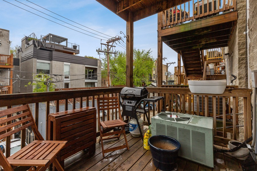 Real Estate Photography - 1217 N Honore, Chicago, IL, 60622 - Deck