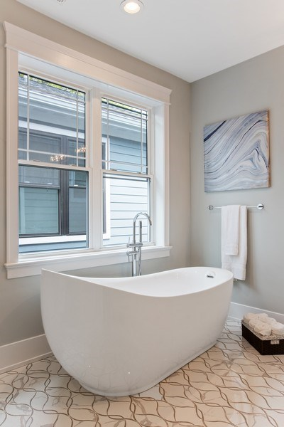 Real Estate Photography - 1700 W Thorndale, Chicago, IL, 60640 - Master Bathroom